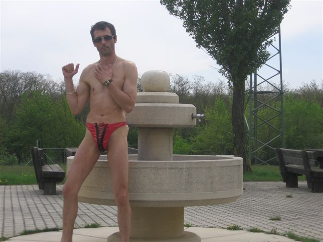 underwear Am Brunnen