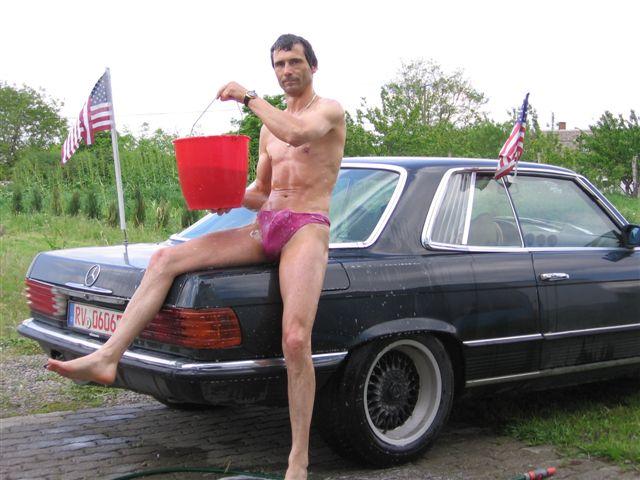Microbikinis Auto Waschen