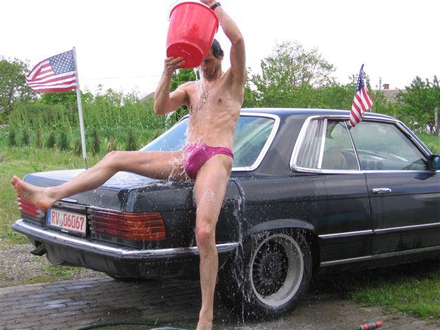 Superministringbikini Auto Waschen