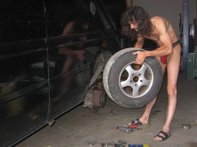 thong bikini Autowerkstatt