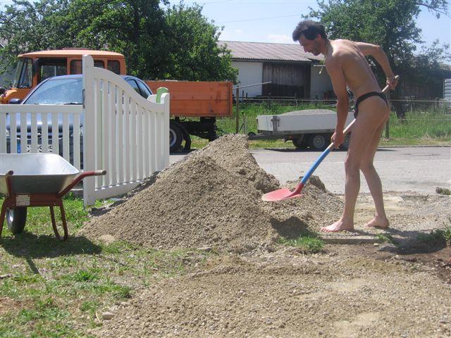 bikini models Baustelle
