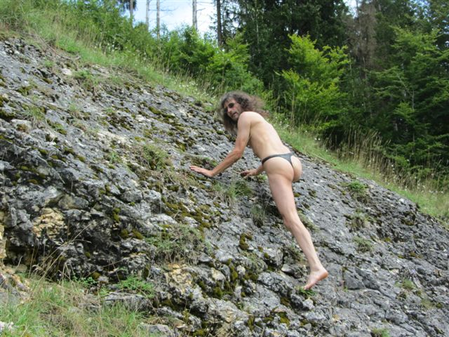 tiny bikini Bergsteigen