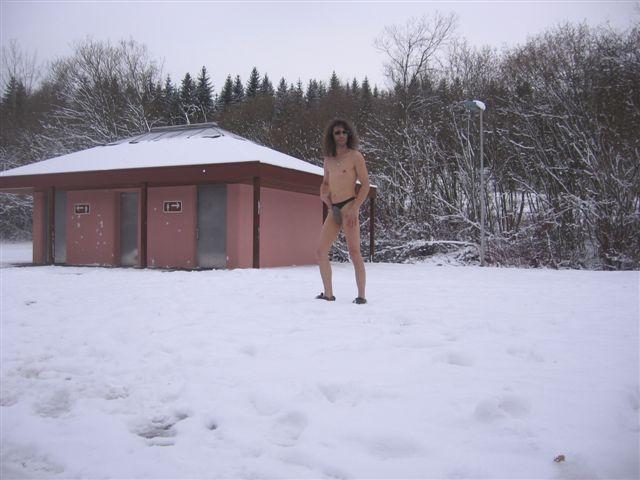 Clothing Im Schnee