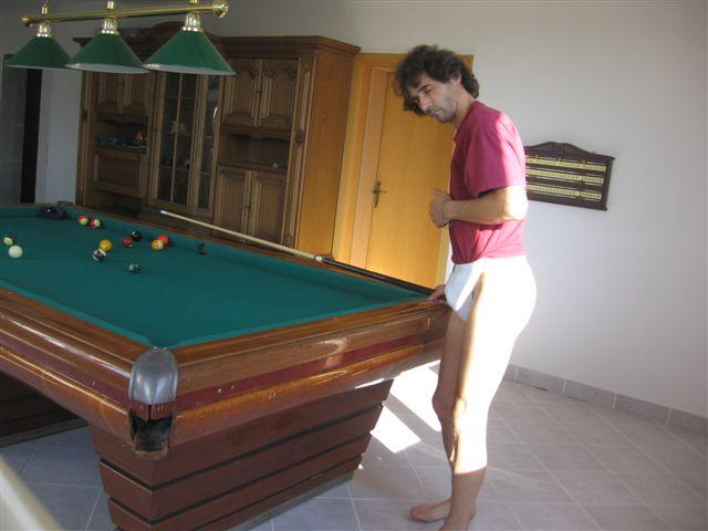 Microbikinis Snooker