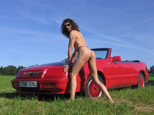 tiny bikini Sportwagen