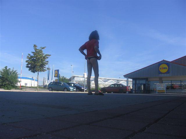 tiny bikini Supermarkt 2