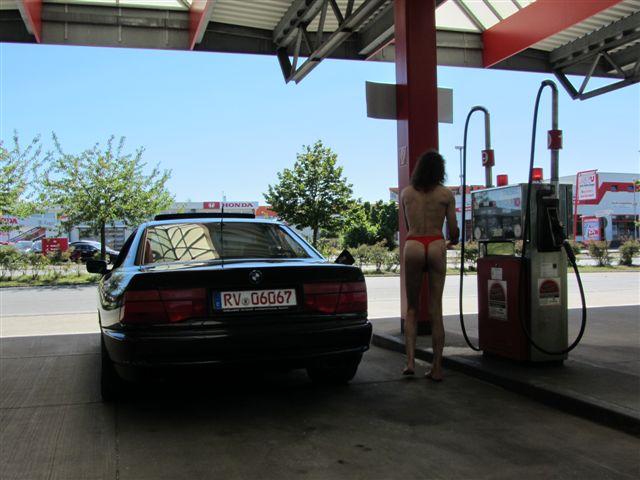 badestring Tankstelle
