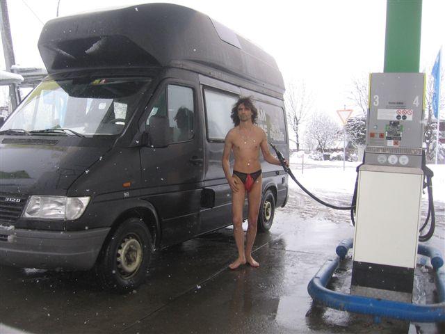 Dessous Tankstelle