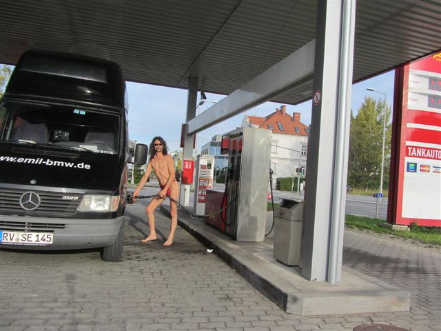 underwear Tankstelle