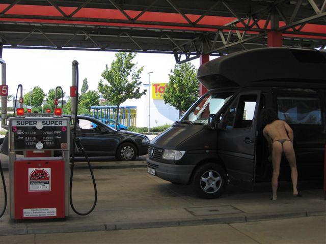stuffing Tankstelle