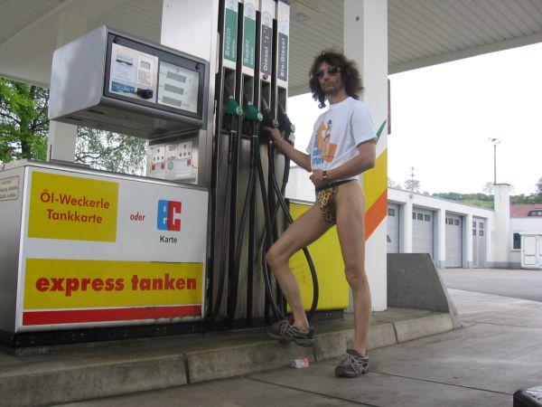 Urlaub Tankstelle