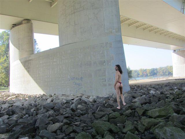 bikini models Tour/Donau