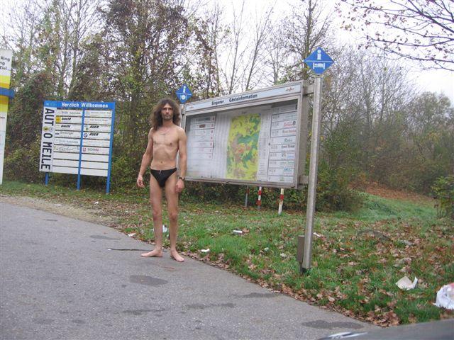 Superministringbikini Tour/Singen