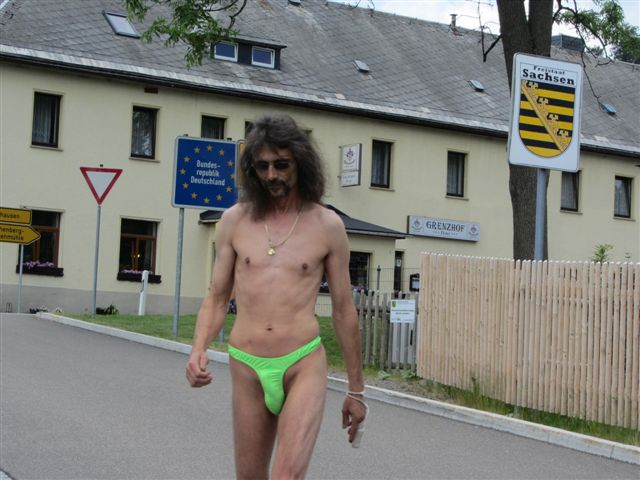Superministringbikini Tour/Tschechei Ceska